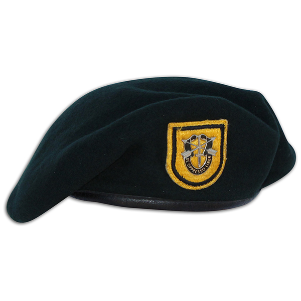 Richard Warren's issued 1st SFG beret. 1